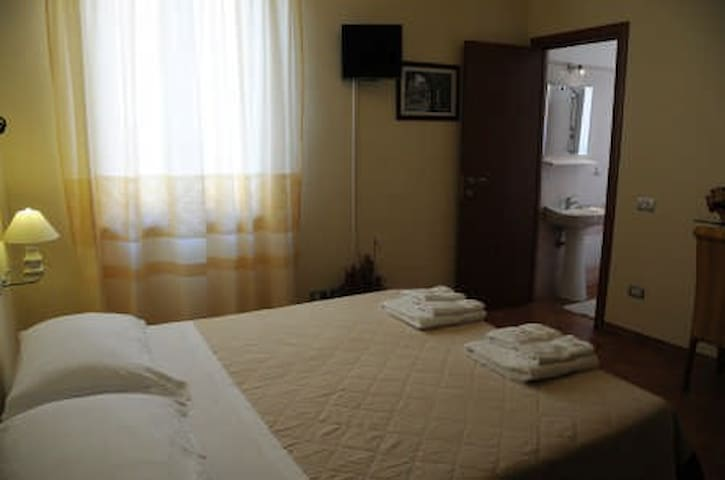 Room Villamari Bosa - Bosa - Bed & Breakfast