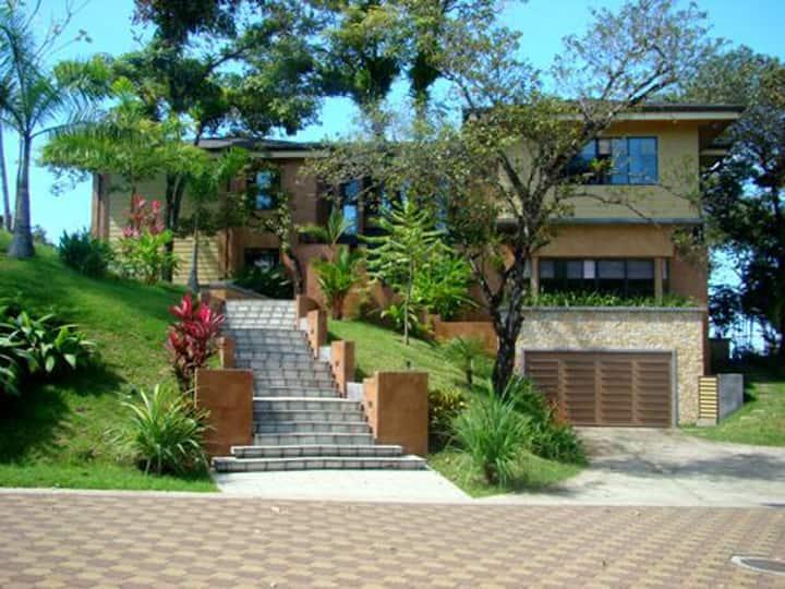 Casa Reserva-pool, ocean view, 10-12 pp, 4-5 bdrms