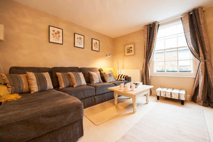 Elegant High Street apartment in Uppingham