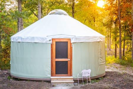 Yurt #2, Private lake, 20ft