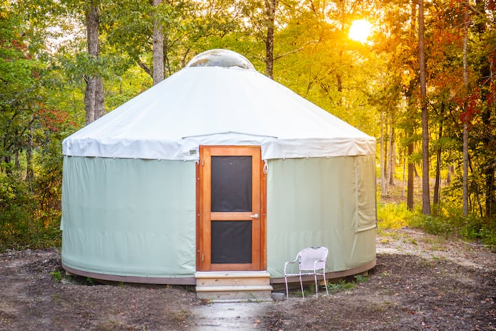 Yurt #2, Private lake, 20ft