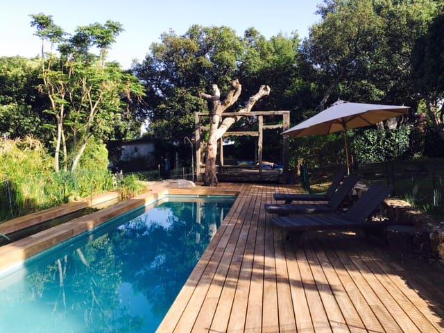 Casita de madera con encanto, jardin y piscina - Tarifa - House