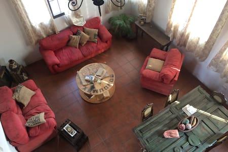 Room for Rent in Antigua Guatemala - Guatemala City - Hus