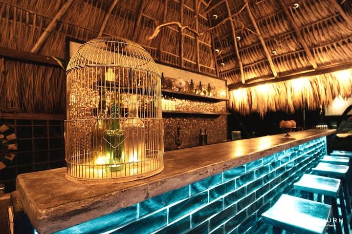 Beautiful One Bed Room & Infinity Pool in Utila!