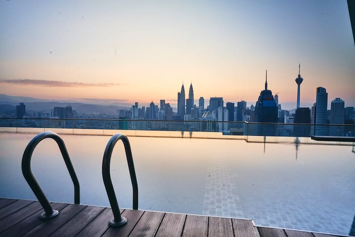 Entire Apartment *Sky Pool with KLCC View*