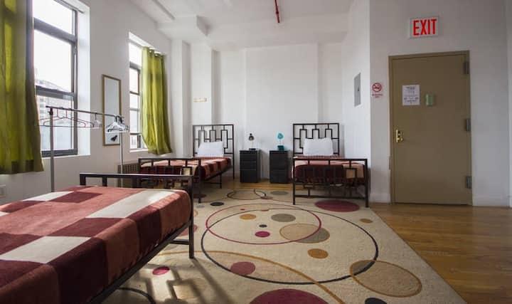 4 Bed Mixed Dorm w/ Pvt Bathroom