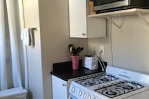 New gas stove and oven