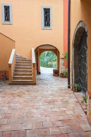 casale romano farm house since 1898 - Motta Camastra - Apartment