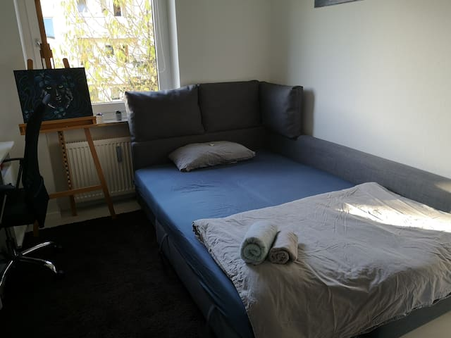 Central and nice guest room to explore Munich