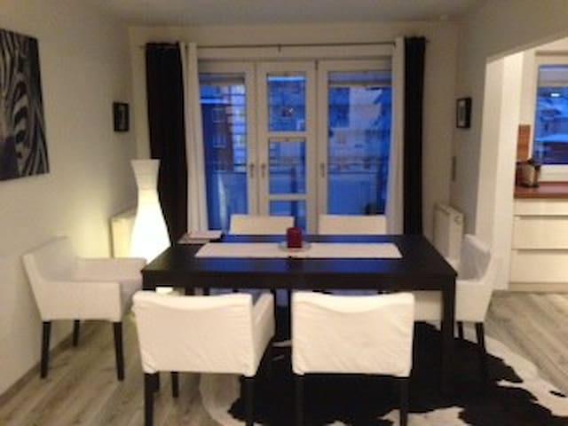 Zimmer in schöner Maisonette Wohnung in der Wik