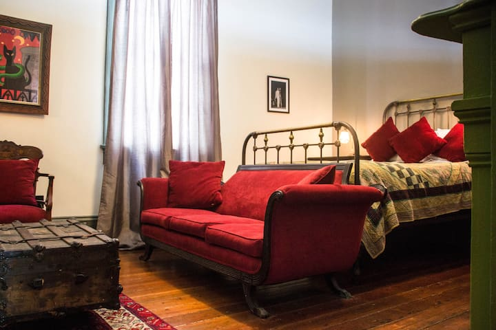 Creole Cottage in historic Treme Master Bedroom