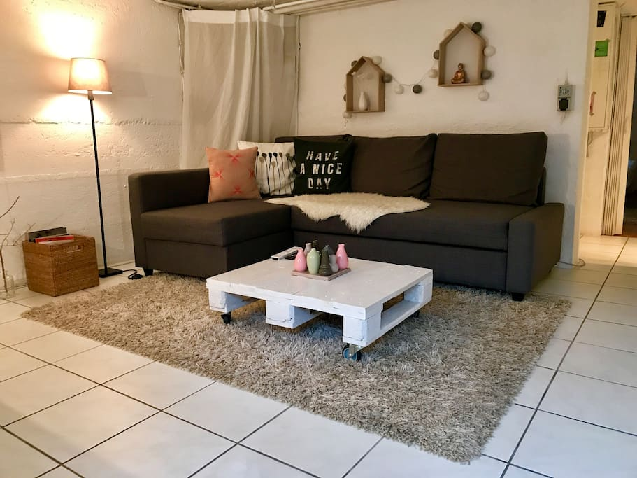 S es 2zi appartement bei frankfurt sommerlounge for Sofa bed 140cm wide