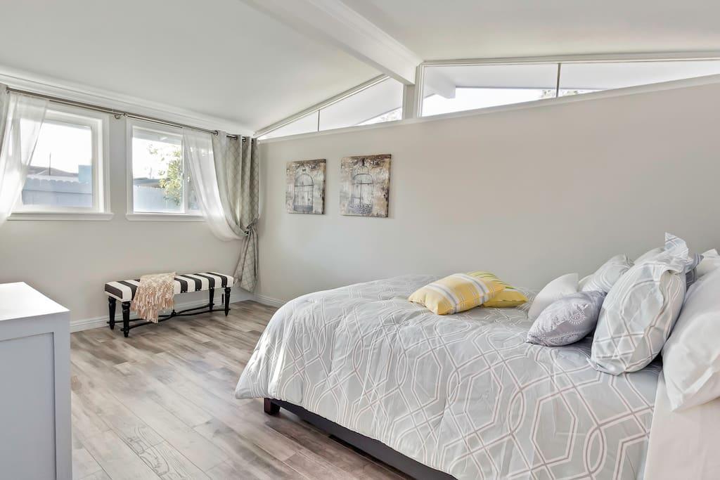 Master bedroom (has private shower) Queen size sleeps 2