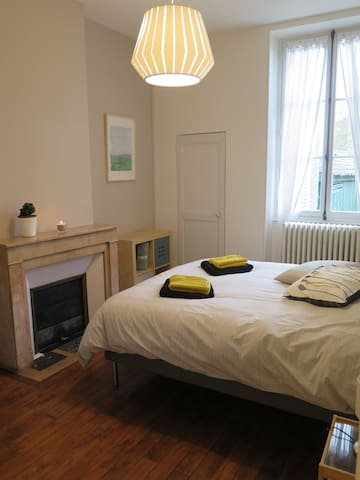 chambre 1 avec un lit 160*200 côté jardin