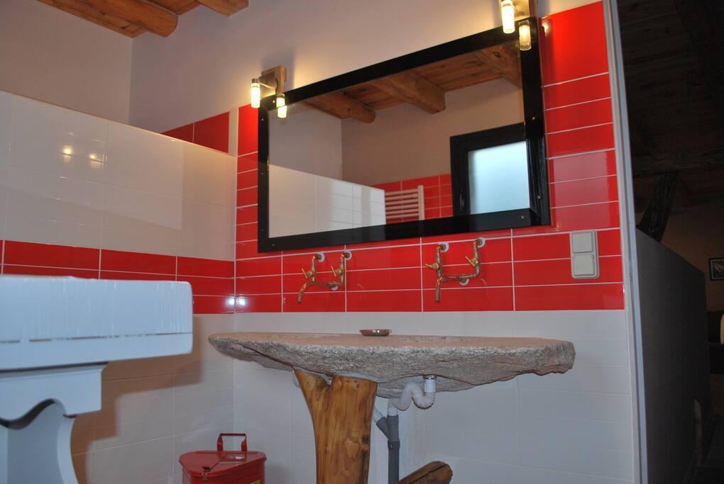 Salle de bain WC 1.
