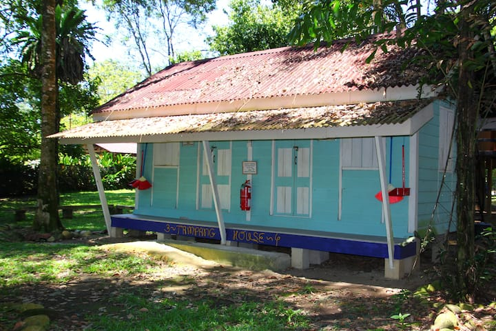 Tampang House chalet in Eco-friendly Campsite