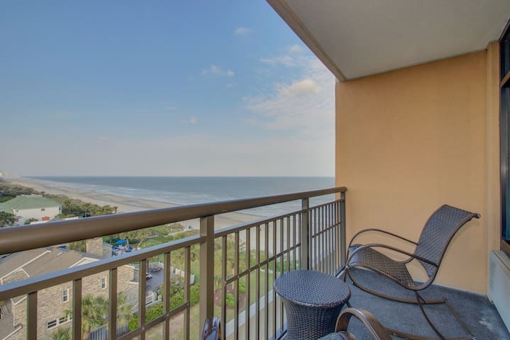 Renovated!  Luxury Double Queen Studio With Ocean View Balcony At The Island