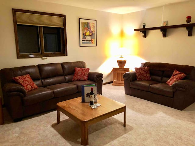 Ideal mountainview suite, 5 minutes to ski area!