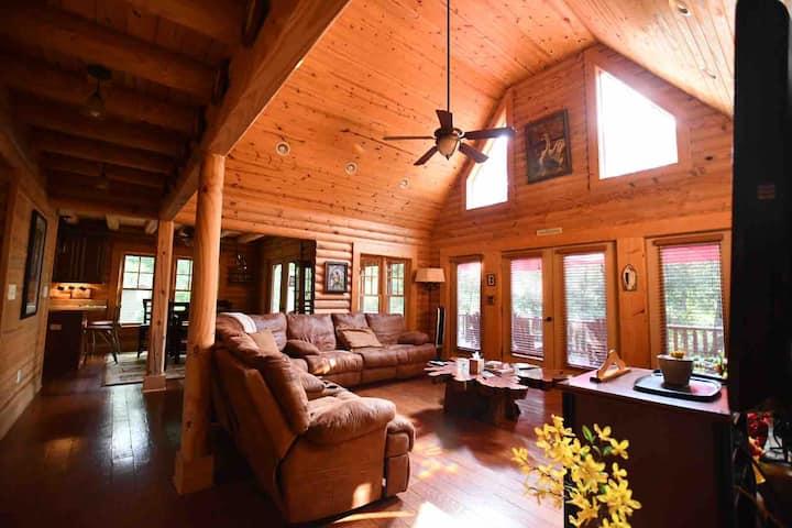 John's Lake House Paradise! Dog for small fee!