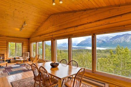 Cabin w/Glacier+Mtn Views: Walk to Matanuska River