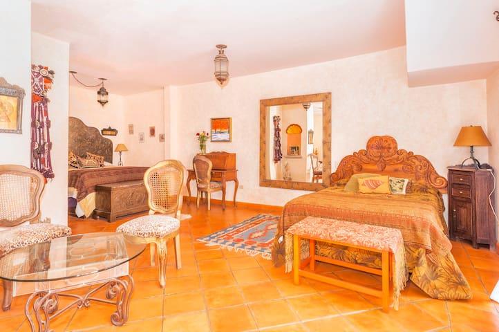 Moroccan Suite bedroom