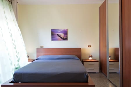 Beautiful room in villa with pool - Strugas - Bed & Breakfast