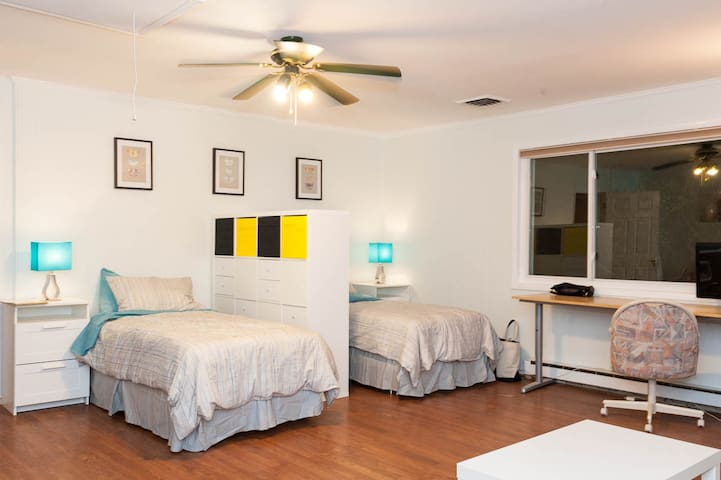 All the comforts of home appartment - Falls Church - Hus