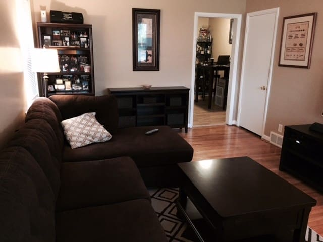 Derby 1 Bdrm Apt in St Matthews - Louisville - Apartamento