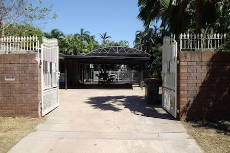 Double room for single or share - Nightcliff