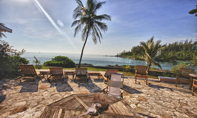 3 Master Suites, Private Beach, Chef Available!