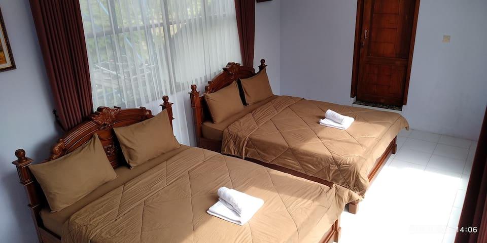 Villa Kemarang, New Private Room 27 (upstair)