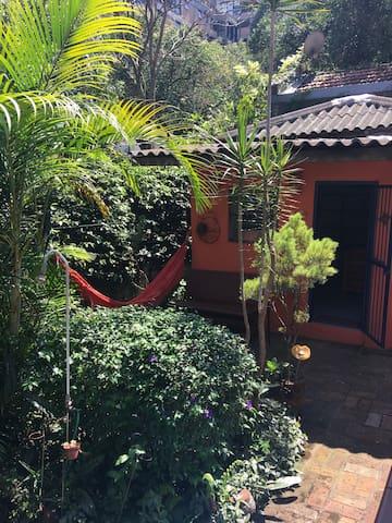 Recanto verde no coração da Vila Madalena