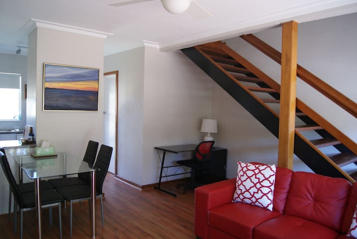 Executive Apartment - Shoalwater - Appartement