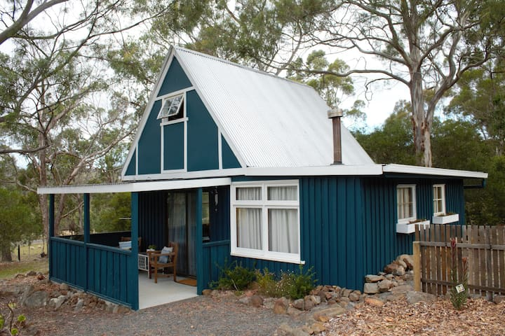 Rustic charm at Blue Gate Chalet - Margate - Chalé