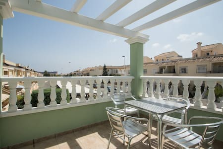 Apartment in a secure gated complex with two pools - Gran Alacant