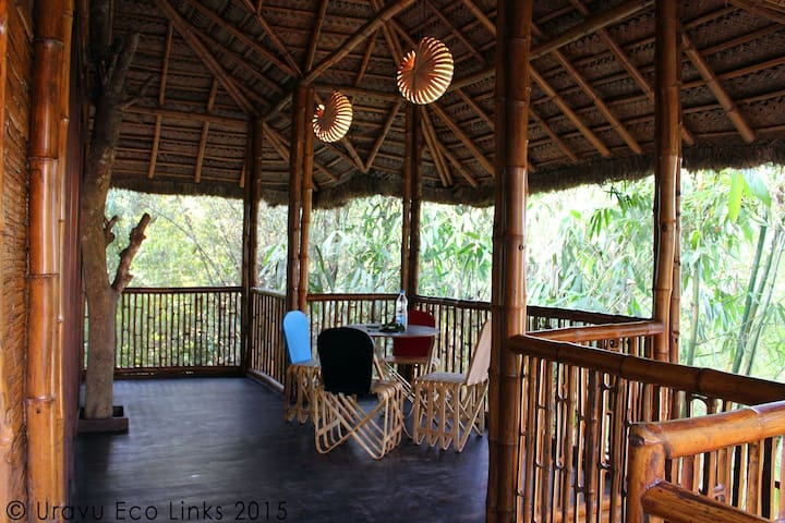 Honeymoon Cottage in Bamboo Grove