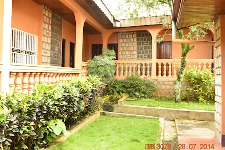 Zwinkels Guest House - Bamenda - Bamenda - Bed & Breakfast