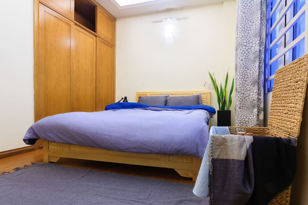 Your room with natural light, queen size bed, working desk, wardrobe, cleaning beddings and towels