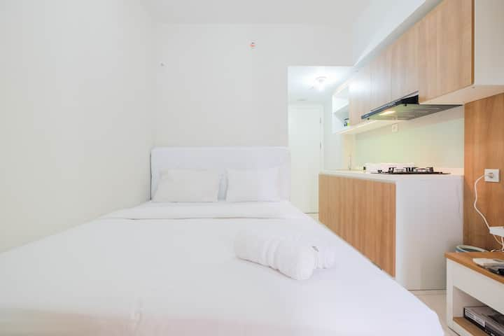 Functional Studio Apartment Springlake Summarecon