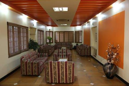 Chennai India Accomodation Traveler - Chennai - Bed & Breakfast