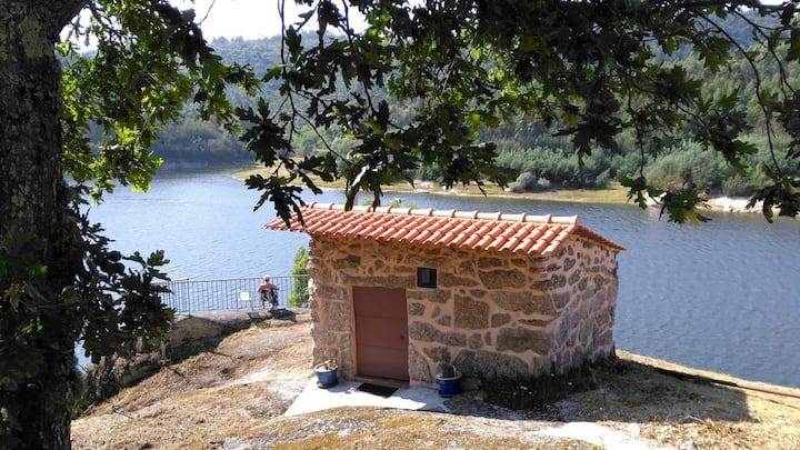 Fischerhütte am Fluss: B&B Boavista