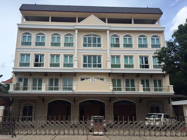 Vinas residence Vientaine, laos.