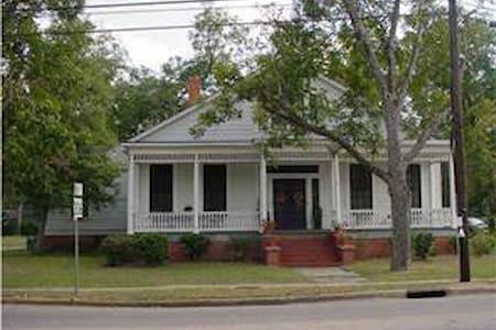 Smith-Pratt Home Cir 1845