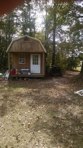 Hunting Cabin in the woods - Brantley - Cabana