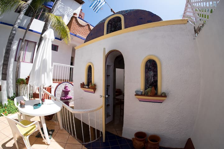 *Greek Cottage Playas de Tijuana*