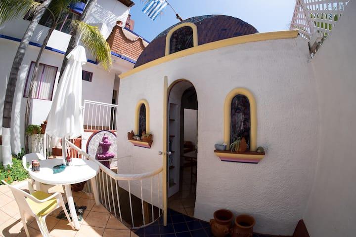 *Greek Cottage Playas de Tijuana*