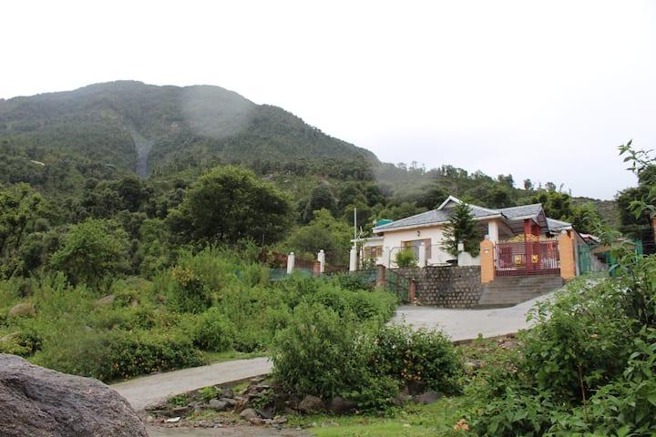 Hill Stream Cottage, Dharamshala