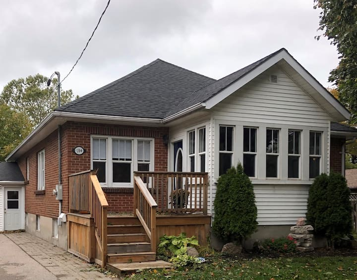 Goderich Cute Bungalow