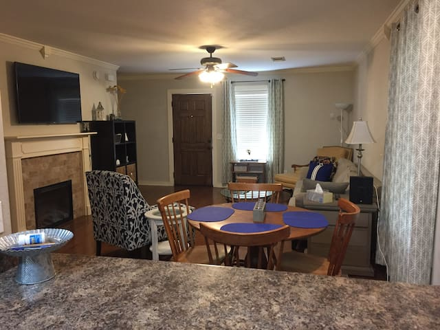Updated townhome close to University & shopping
