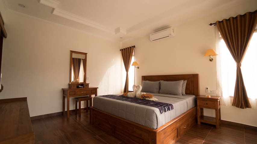 "''PUJA SARI GUEST HOUSE"" ! 1 BEDROOM WITH TERACE"